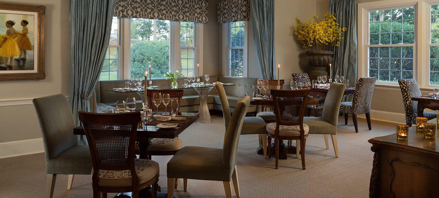 Houndstooth Restaurant dining room