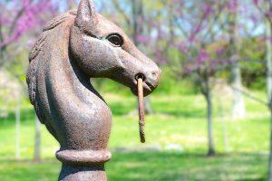 Horse statue at Glen Gordon