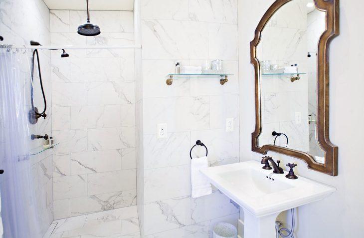 Albert Room Bathroom