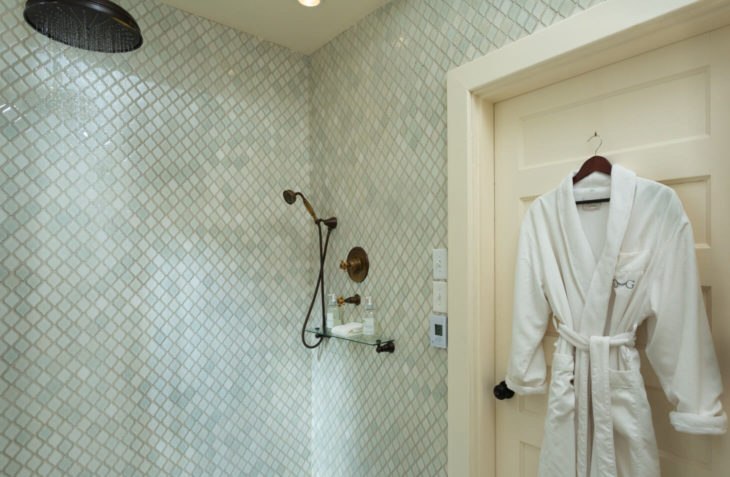 Edward Suite Shower