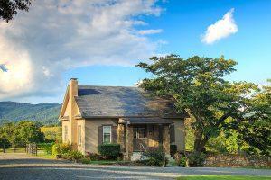 Cottage at the Glen Gordon Manor