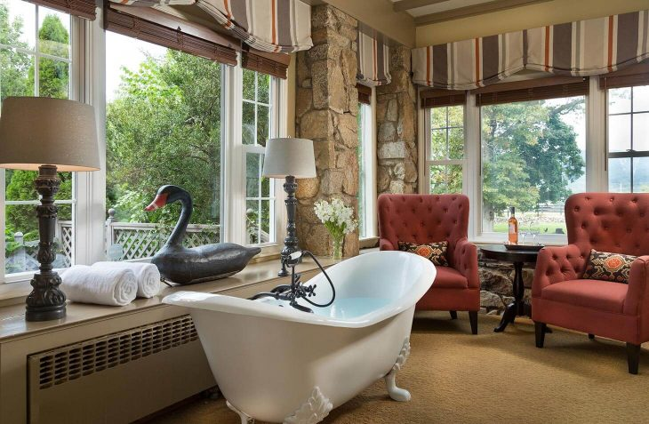 Edward Suite bath