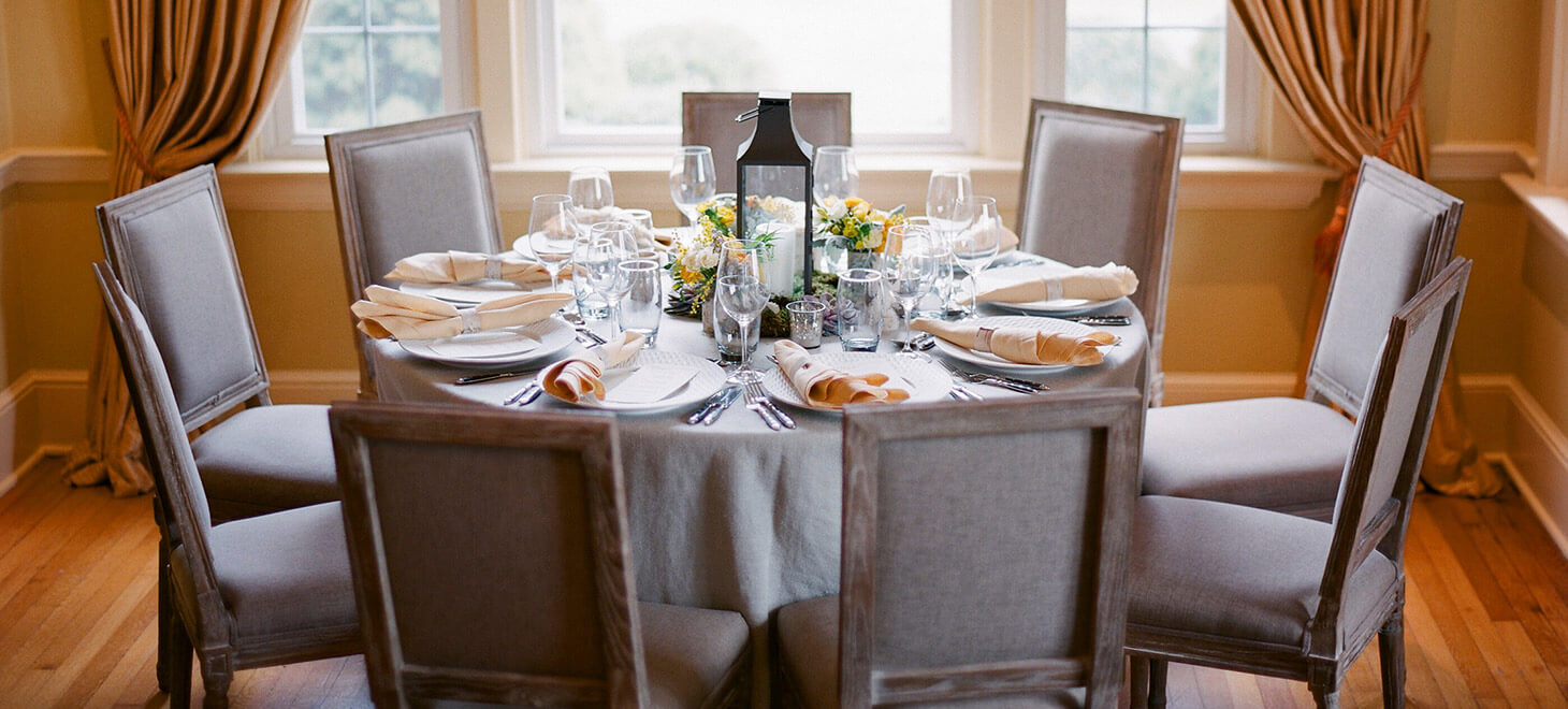 Table with fancy settings