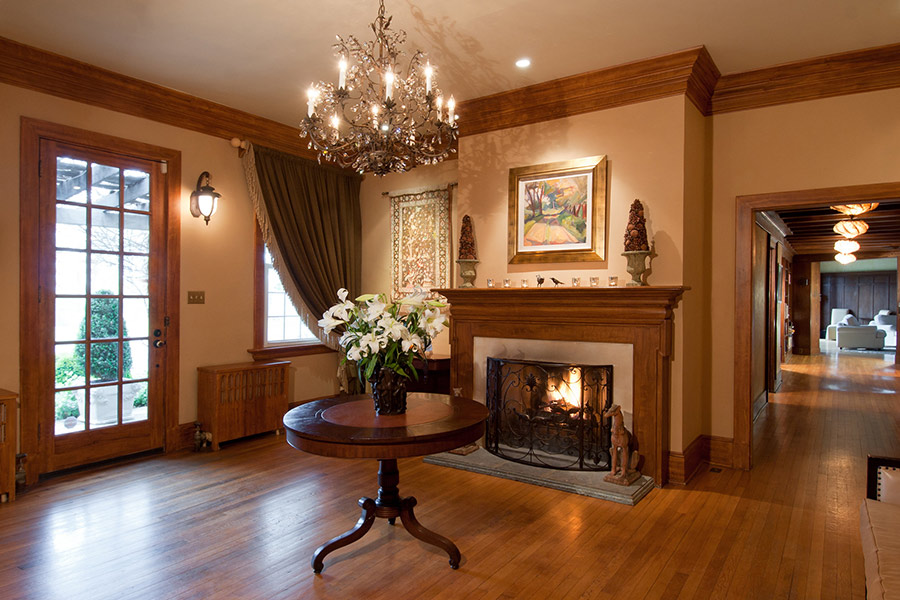 Glen Gordon Manor fireplace