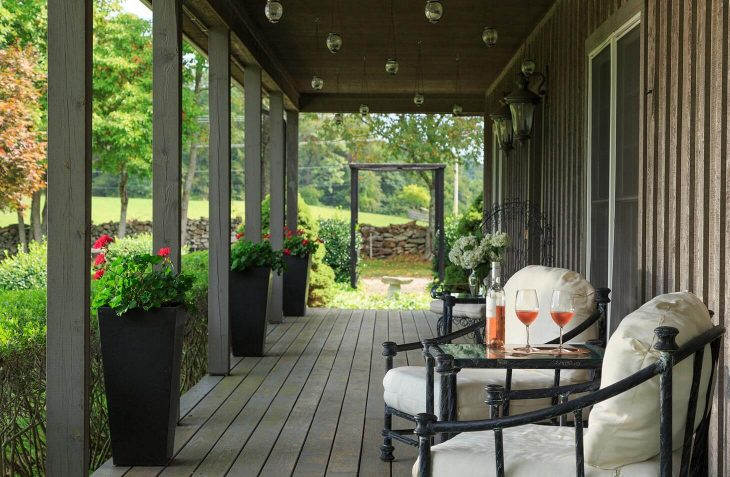 Mews Cottage covered porch with chairs