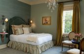 Wallis Suite bed and chairs