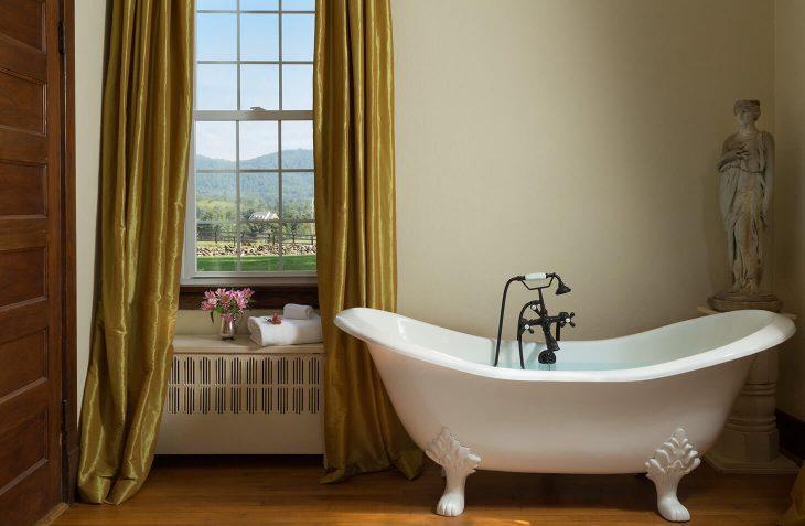 Wallis Suite bath