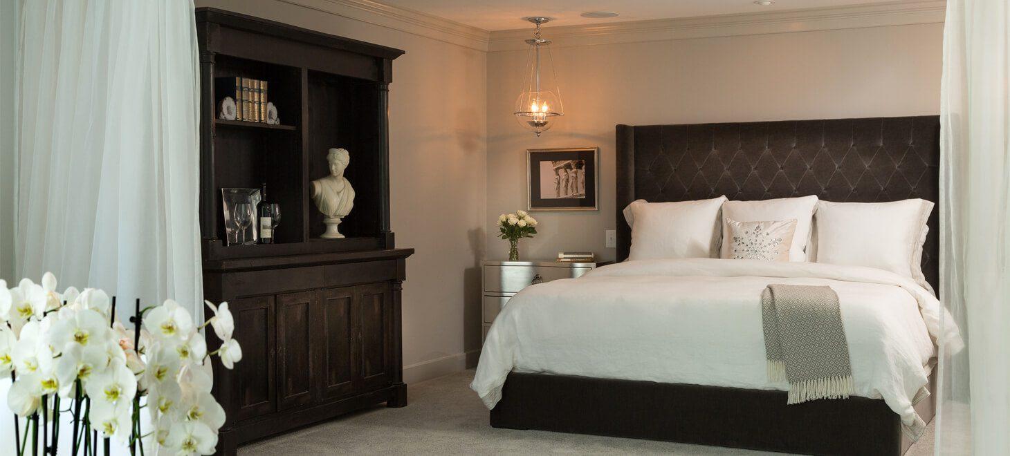 Modern hotel room in Virginia