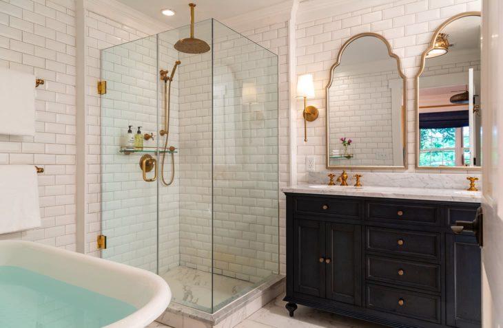 Huntly Suite bathroom shower