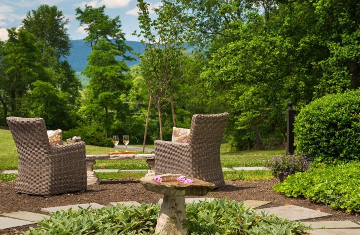 Huntly Suite outdoor seating area chairs