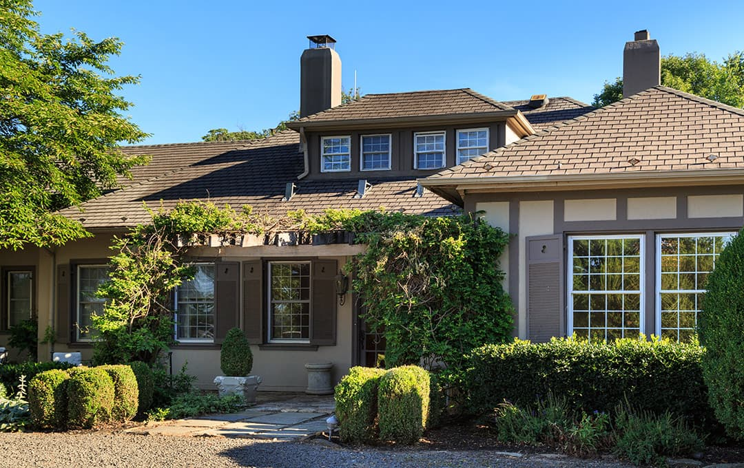 Glen Gordon Manor exterior - Shenandoah Valley Bed and Breakfast